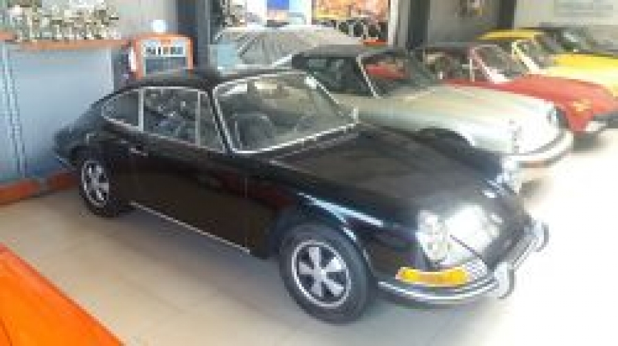 Porsche 911 T Coupe black